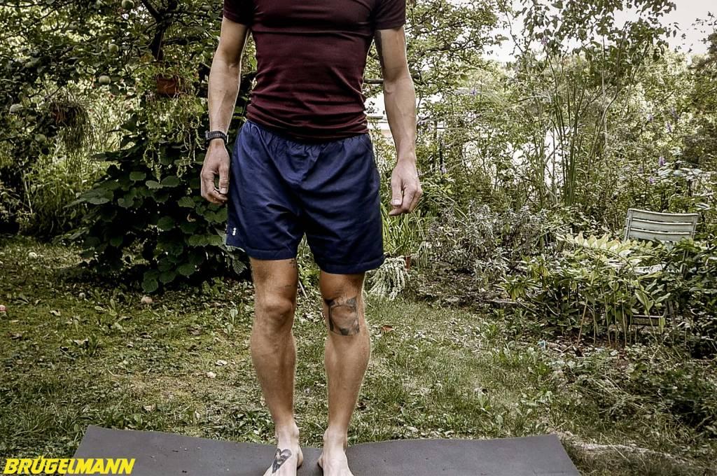 Dehnen der Oberschenkelinnen- und außenseite, Abduktoren und Adduktoren