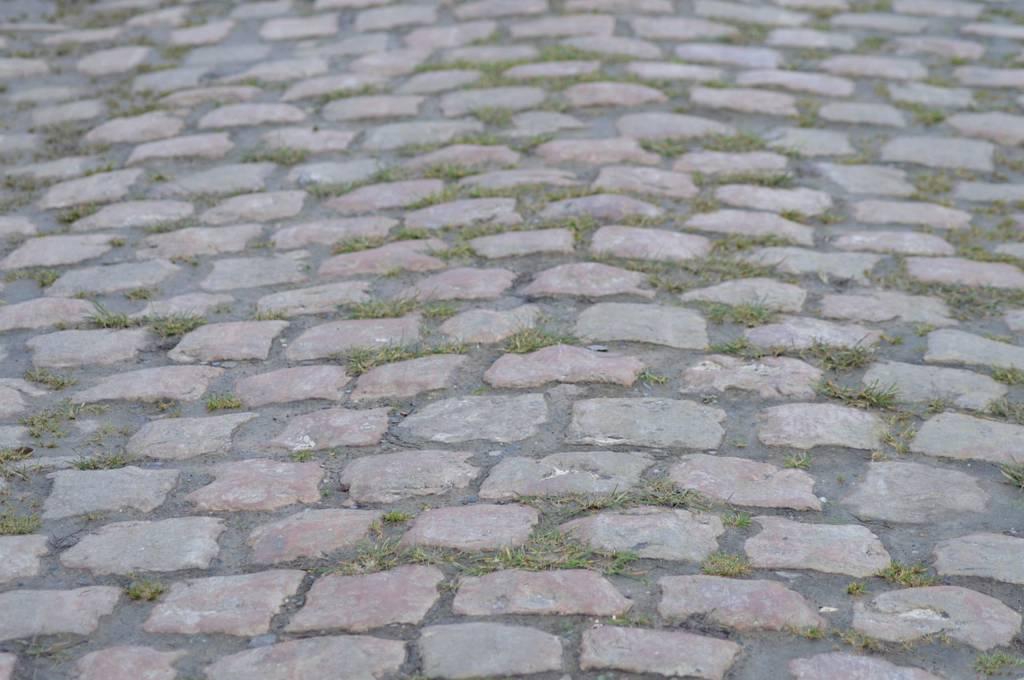 Klassischer Fahrbelag des Klassiker Rennens Paris-Roubaix