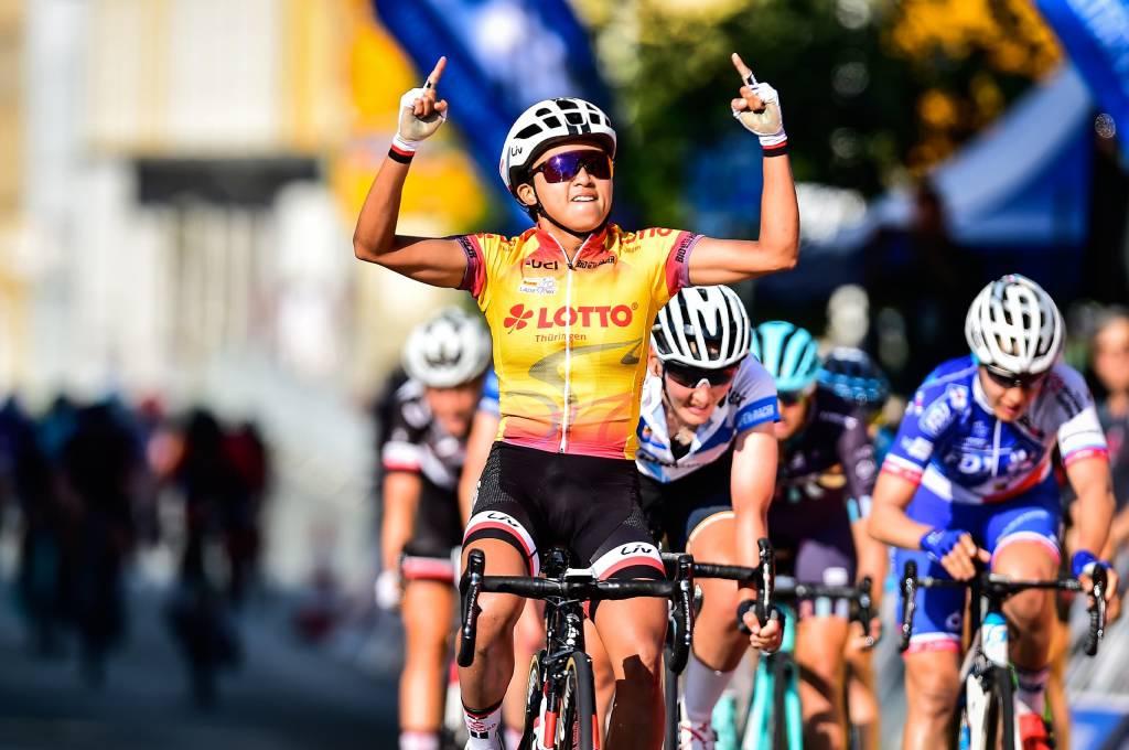 Lotto Thüringen Ladies Tour Zieleinlauf, jubelnde Siegerin