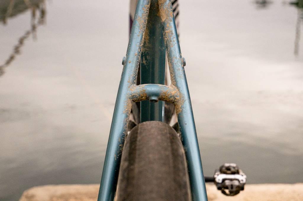 Der Rahmen bietet genug Platz um 650b und sogar Laufräder mit 47mm Breite montiert werden können