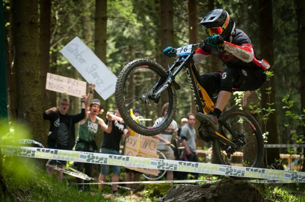 Downhill-Action beim IXS Cup in Willingen