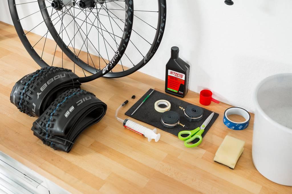 Das benötigte Material für die Tubeless-Umrüstung am Rad