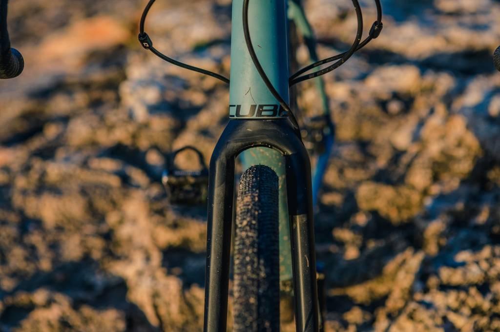 Dank hoher Reifenfreiheit lassen sich bis zu 40 mm breite Reifen montieren, auch bei gleichzeitiger Verwendung eines Schutzblechs.
