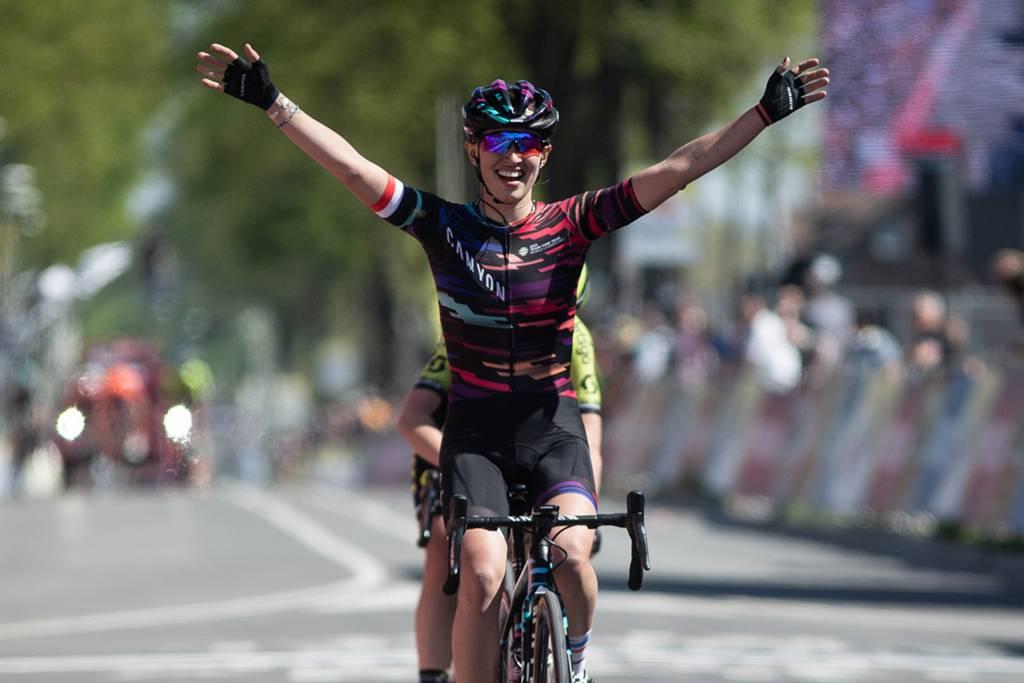 Kasia Niewiedoma gewinnt das Amstel Gold Race 2019
