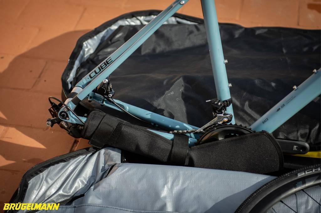 Biknd Helium V4 Fahrradtransportttasche Hinterbau