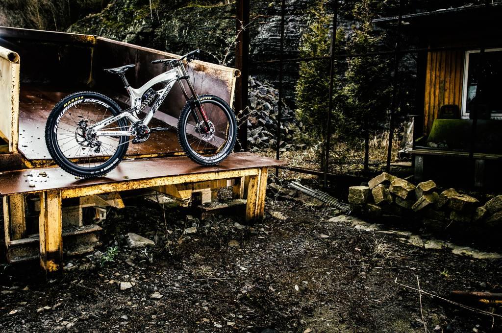 Foes Mountainbike auf Pickup Truck
