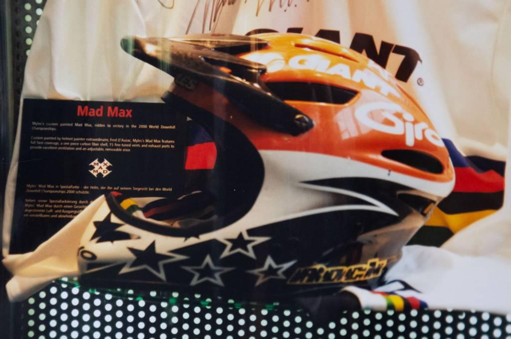 Oldschool Giro Fullface-Helm