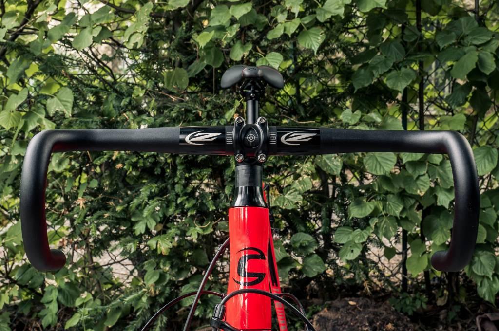 Cannondale CAAD12 mit Zipp Service Course 80 Ergo Rennradlenker