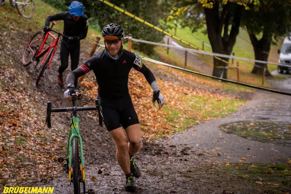 Fahrrad schieben beim Munich Supercross 2018