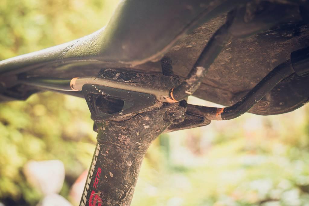 Fahrrad dreckige Sattelstütze