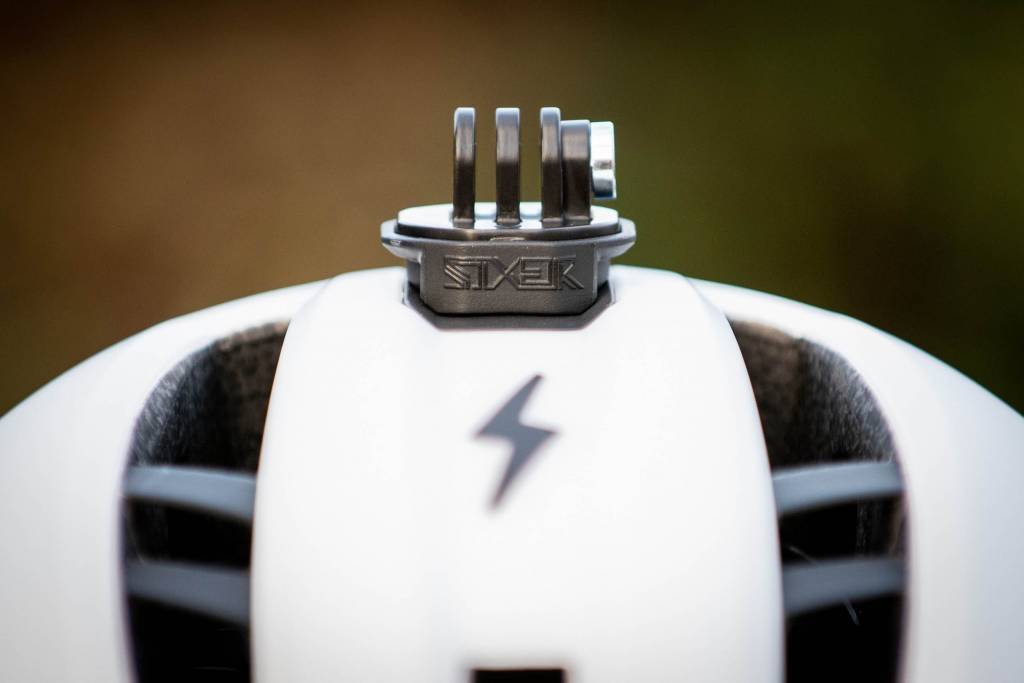 Bell Sixer Helm Fasthouse Detail Actioncam