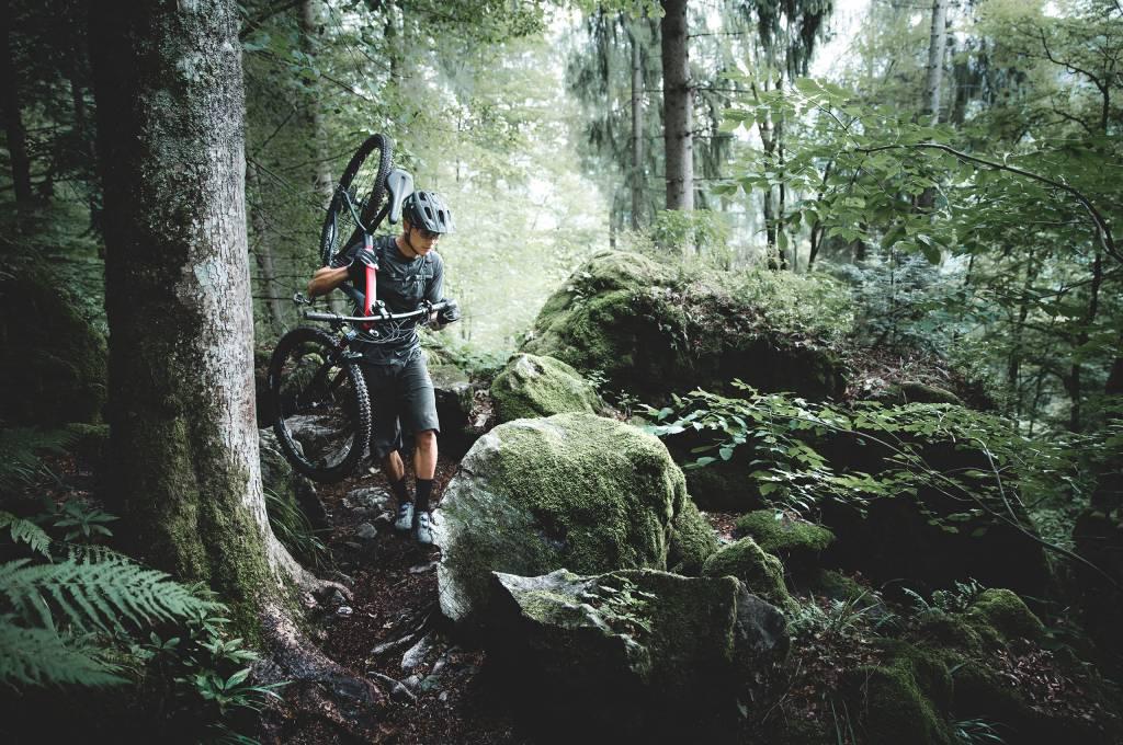 Der Schwarzwald ist dunkel und rau