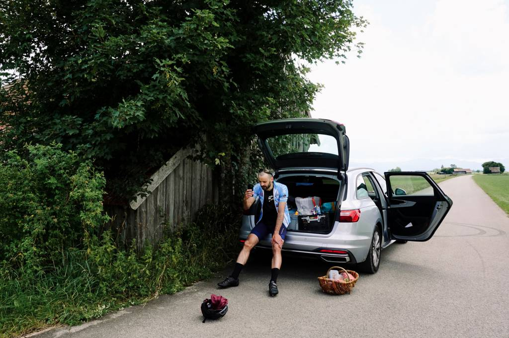 Läufer Erschöpfung Auto Kofferraum