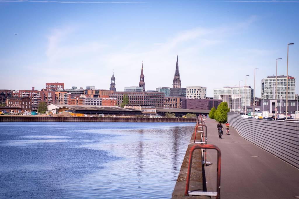 Stadt Fluss Brücke