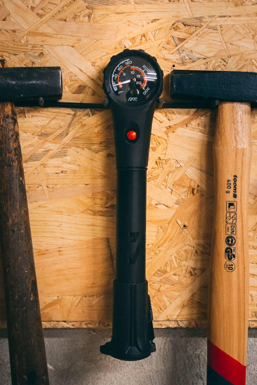Fahrradwerkstatt Werkzeug Dämpferpumpe