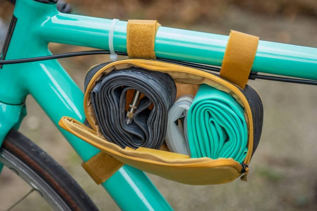 Fahrradschläuche in Rahmentasche