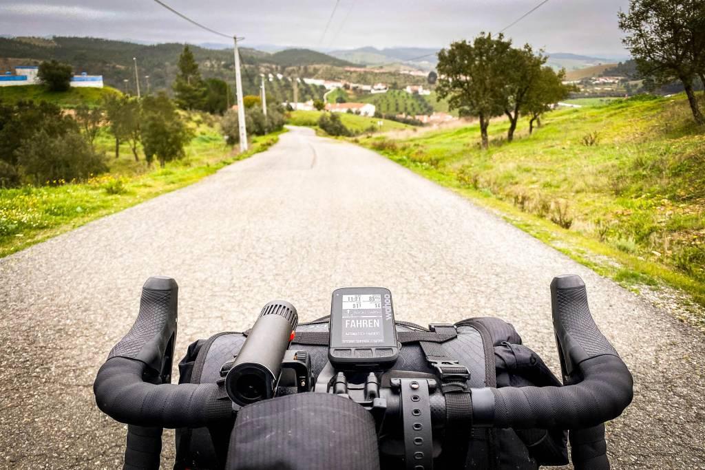 Bikepacking mit dem Gravelbike, Lenker mit GPS-Computer