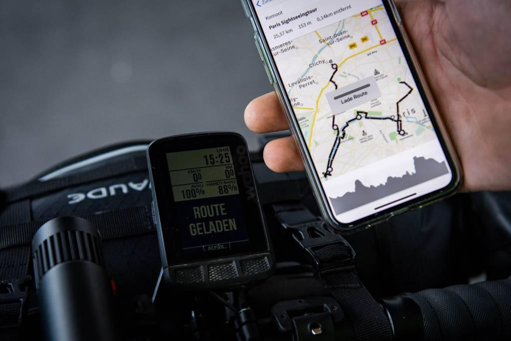 Routenplanung mit komoot Smartphone unterwegs
