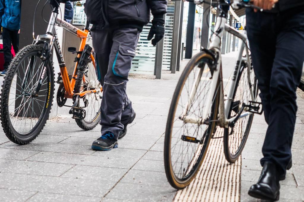 Bahnsteig Fahrräder