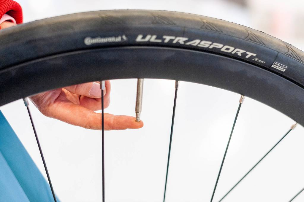 Fahrrad-Reifendruck Sclaverandventil Luft ablassen